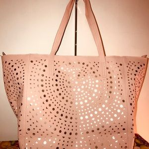 Tote Shopper Large Size Gold inside Ana's Pwach